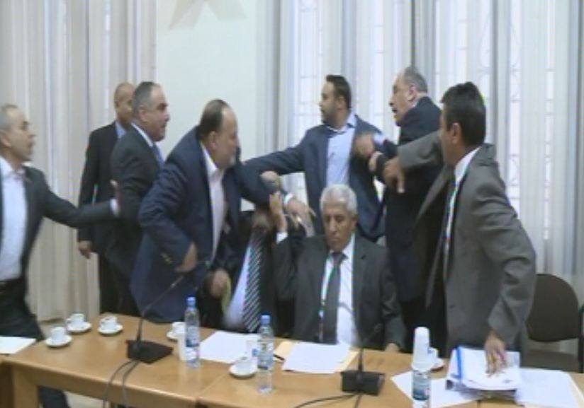 Rival Lebanese politicians started a shouting match at an electricity committee meeting on October 5, 2015, accusing each other of corruption. The meeting was later suspended. (Photo via LBCI)
