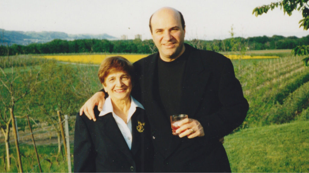 Kevin O'Leary and his mother Georgette Bookalam. (Twitter/Kevin O'Leary)