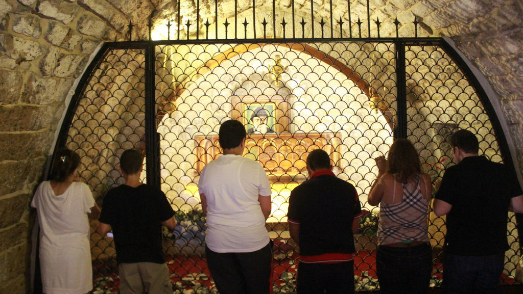 Worshipers gather at the site of St. Sharbel in Annaya, Lebanon. (Lebanese Examiner)